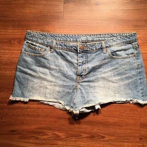 Gap Boyfriend Cut Off Shorts